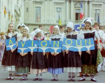 avignon-ou-avignoun-groupe-folklorique.jpg