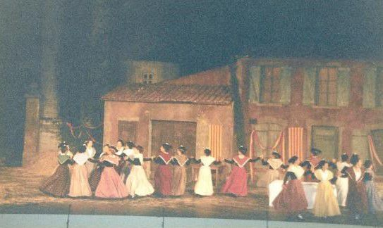 Arles théâtre antique avec l'Arlésienne