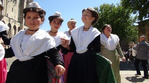 Avignon défilé des 90 ans du Ruban (7)