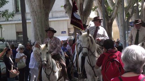 Avignon defile des 90 ans du ruban 1