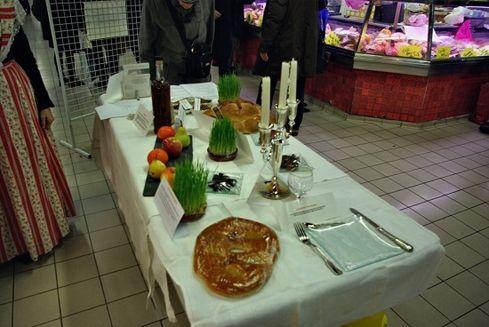 Avignon les halles exposition table des 13 desserts 2