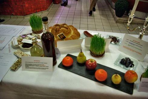 Avignon les halles exposition table des 13 desserts 3