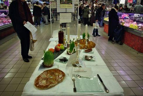 Avignon les halles exposition table des 13 desserts 5