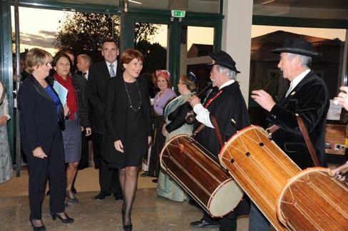 Claude greff accueillie par le ruban de provence a rognonas 4