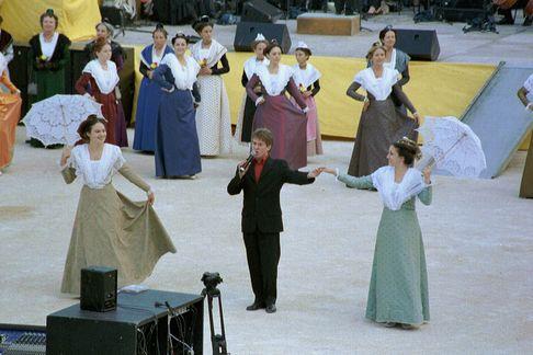 Guy bonnet et le ruban aux arenes d arles 2003 8