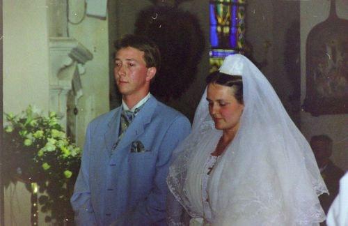 Mariage de marie claire moucadeau en costume d arlesienne 1999 3
