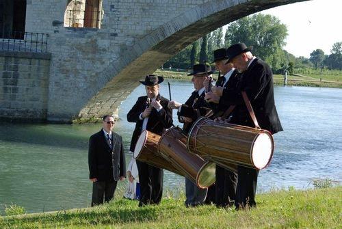 Pont d avignon hommage a farfantello 4